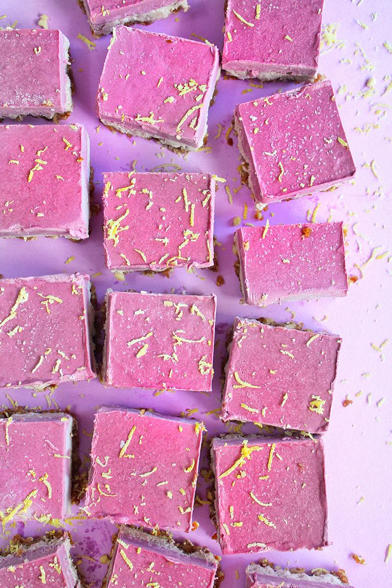 blackberry vegan cheesecake bars
