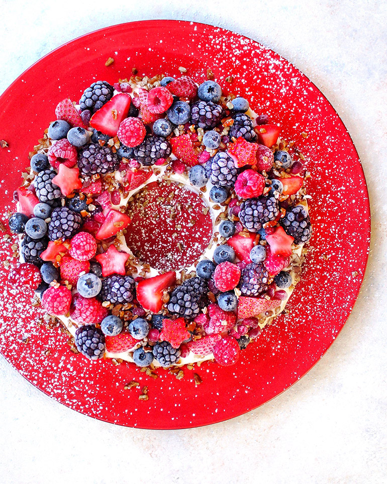 holiday pound cake with berries