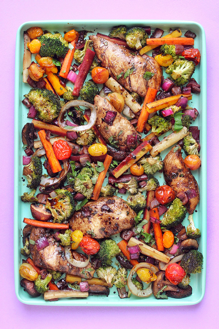 balsamic chicken and veggies sheet pan dinner