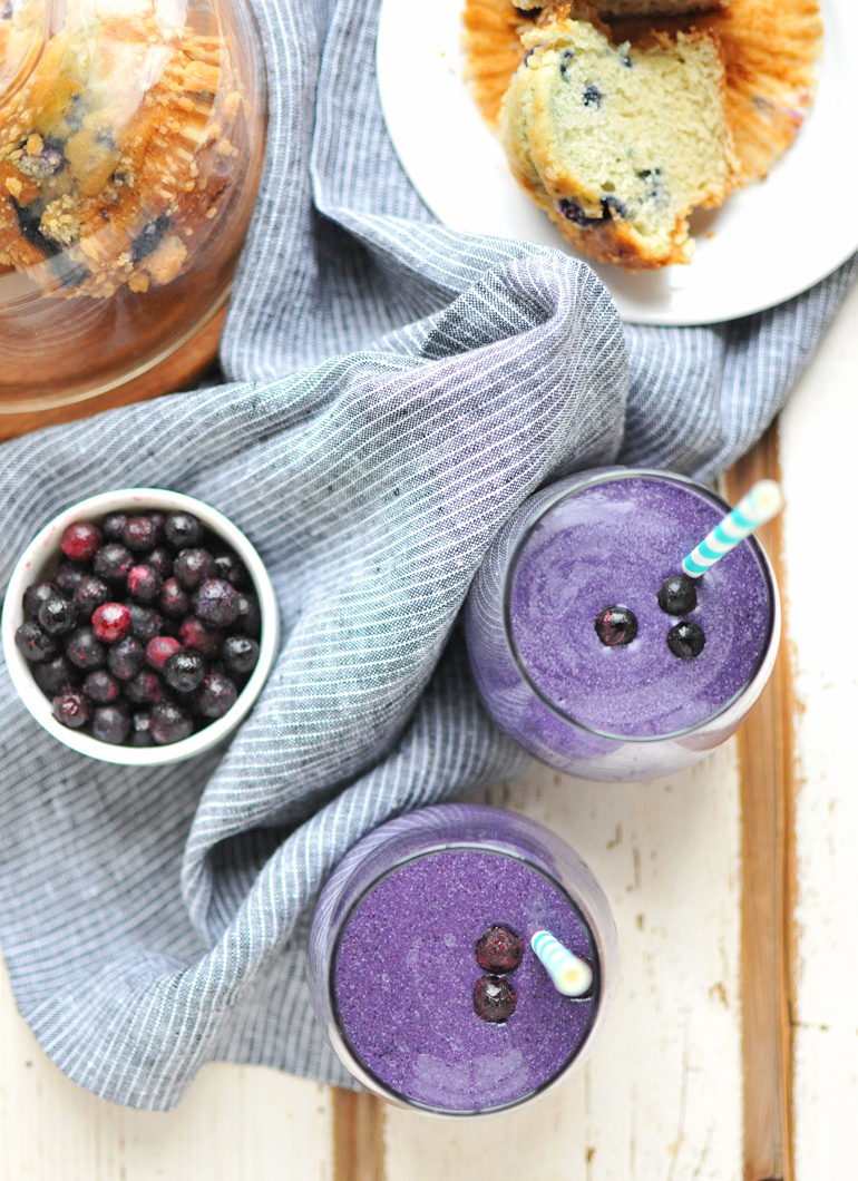 blueberry muffin smoothie above
