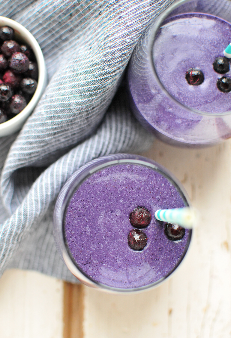 blueberry muffin smoothie closeup