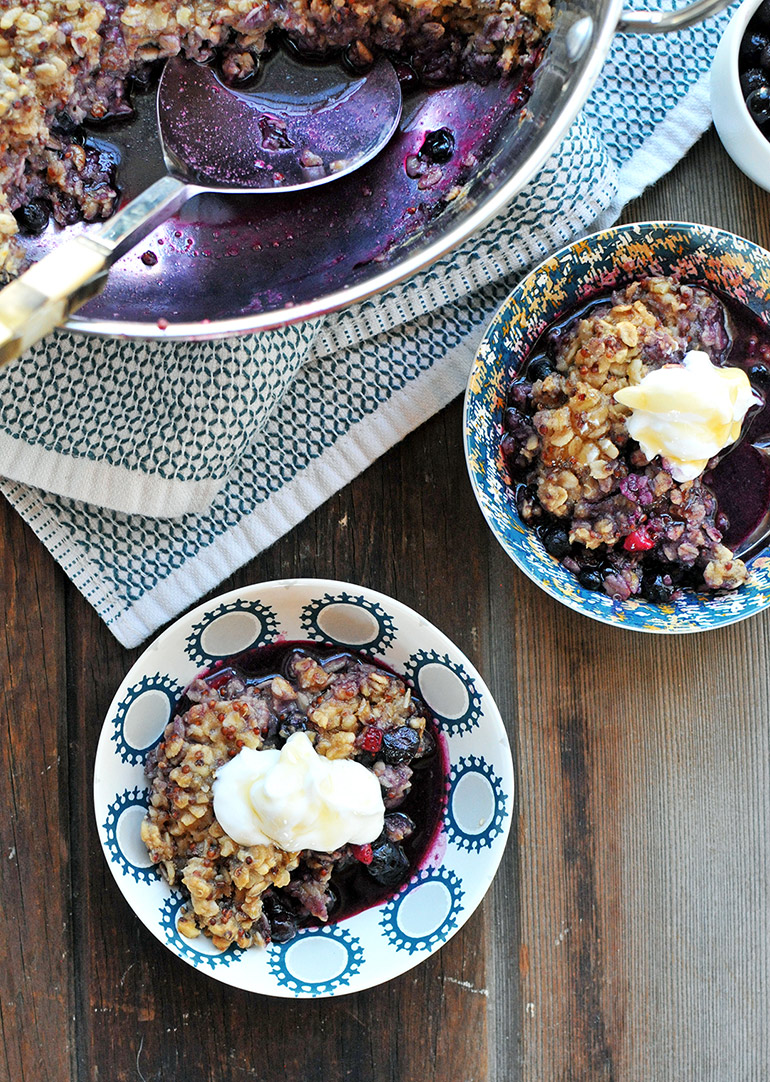 breakfast berry cobbler