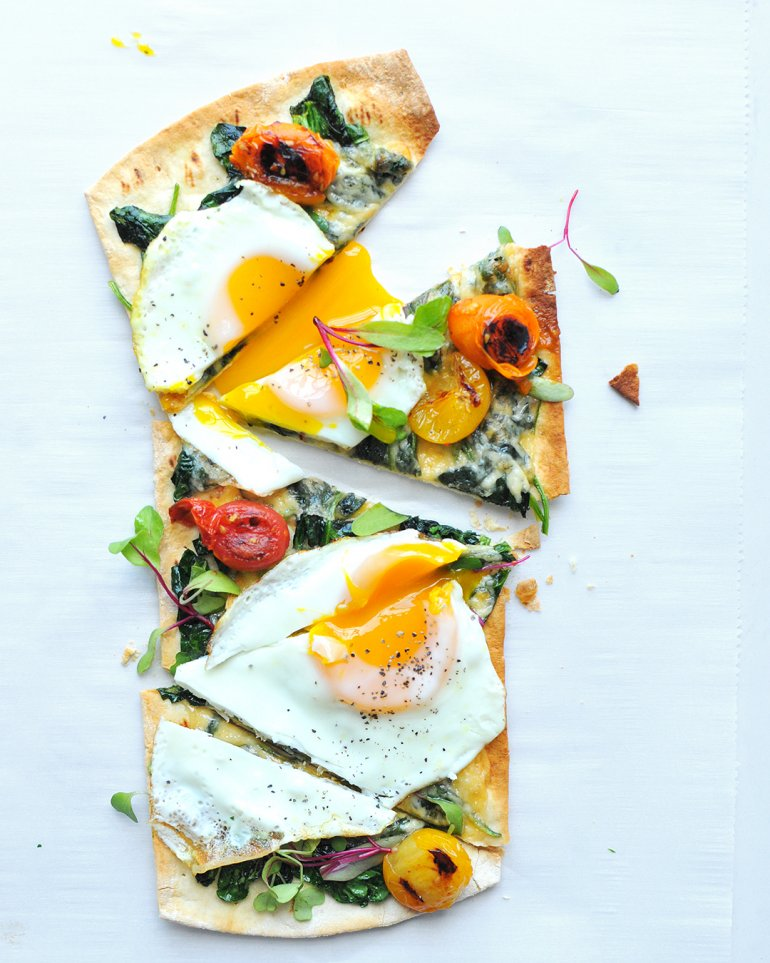 flatout breakfast pizza