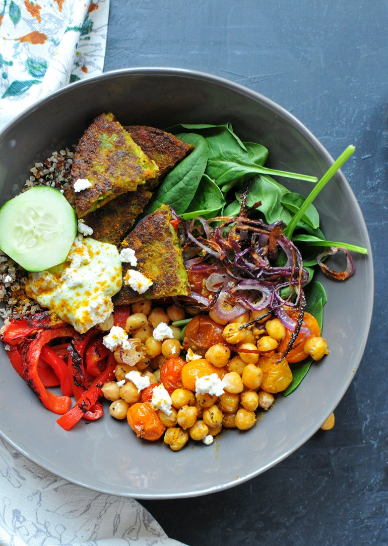 curry bombay veggie bowl with yogurt sauce