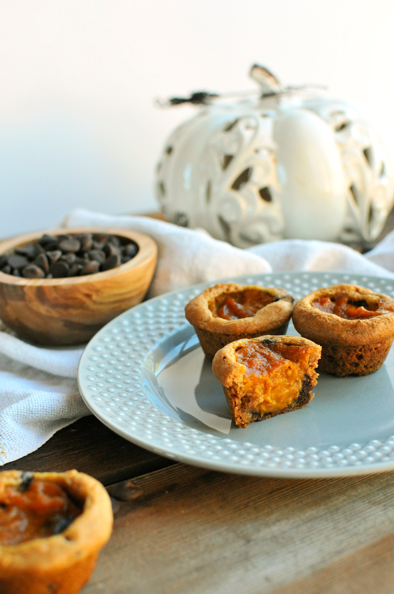 dark chocolate pumpkin pie bites