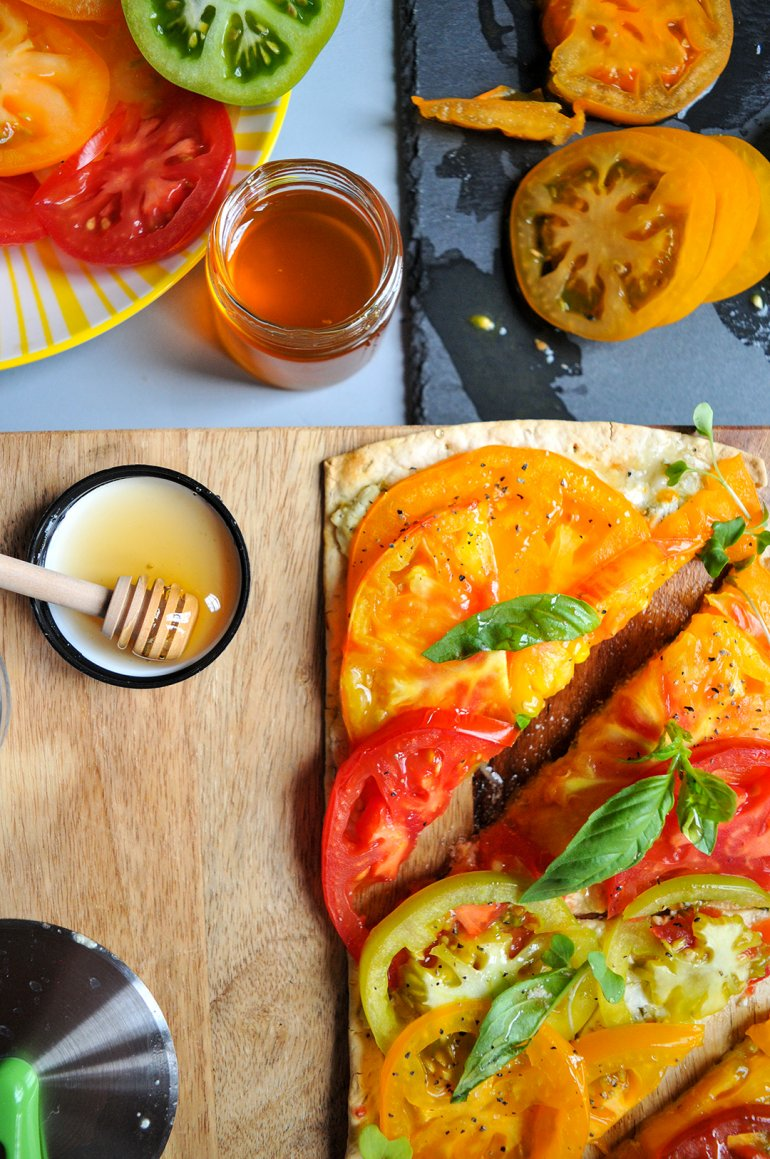 heirloom tomato flatbread with honey goat cheese