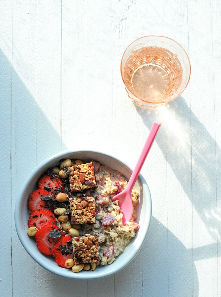 pb&j overnight oats with sunlight