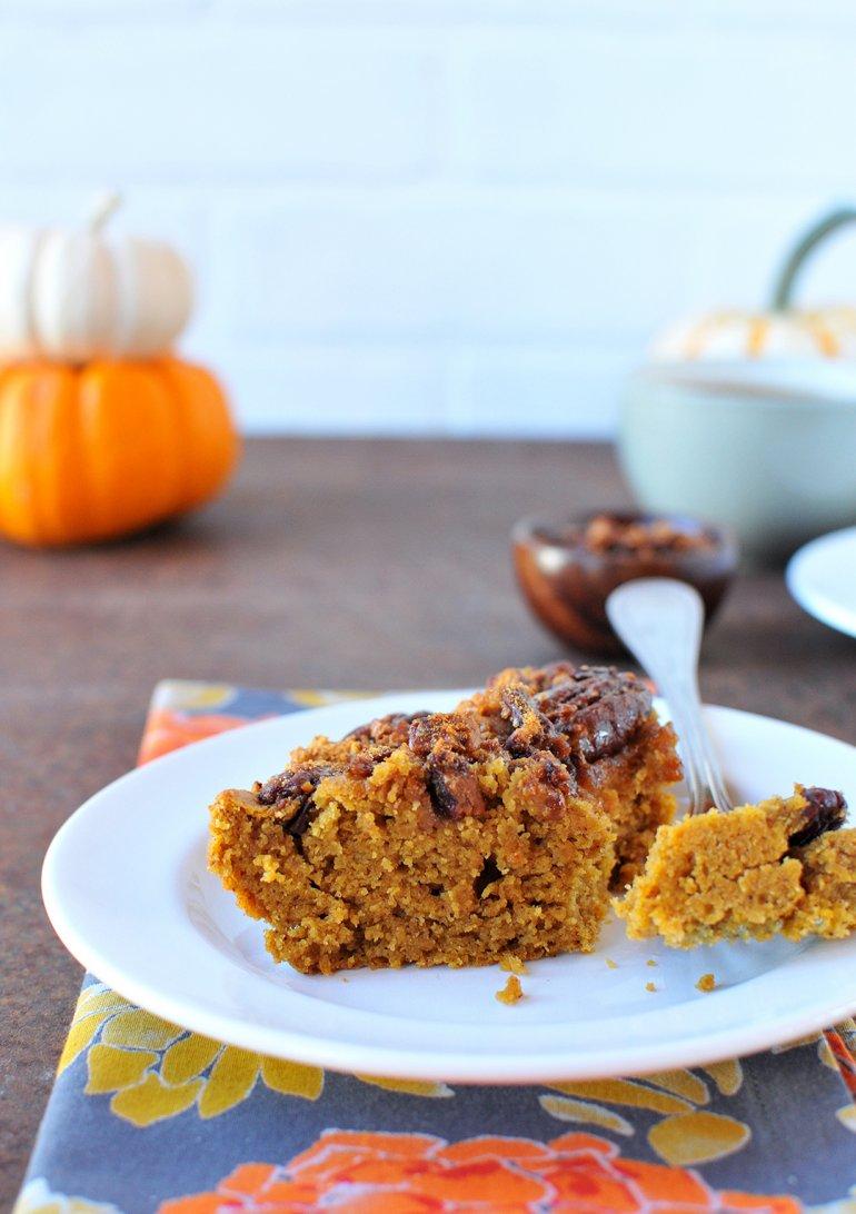 pumpkin coffee cake slice