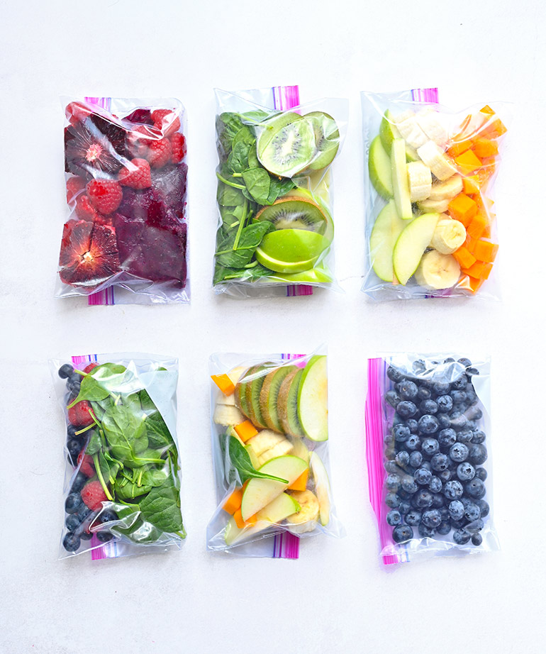 ziploc bags with extra fruits and veggies for smoothies