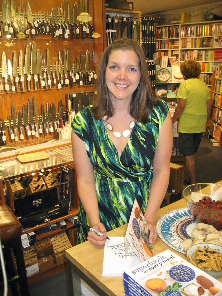author signing books - superfoods at every meal