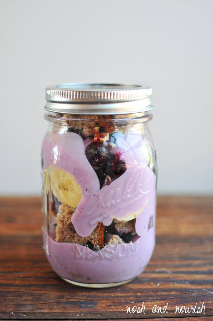 mason jar breakfast parfait