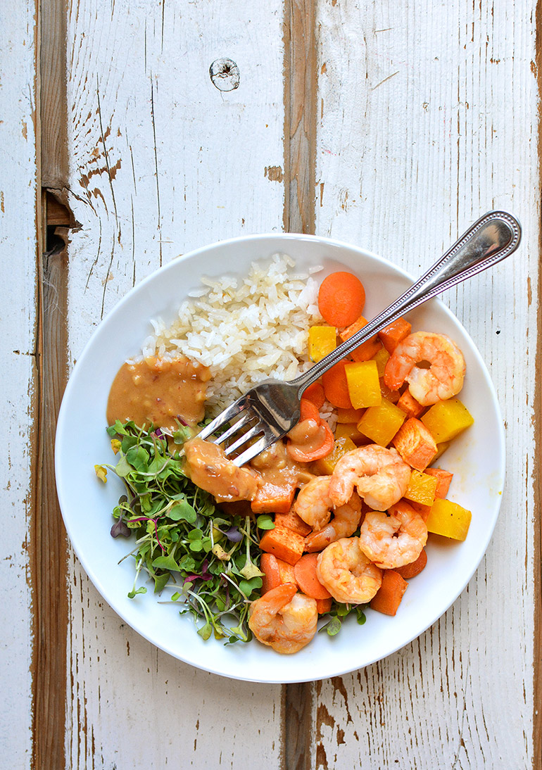 thai chile shrimp bowl with sesame rice