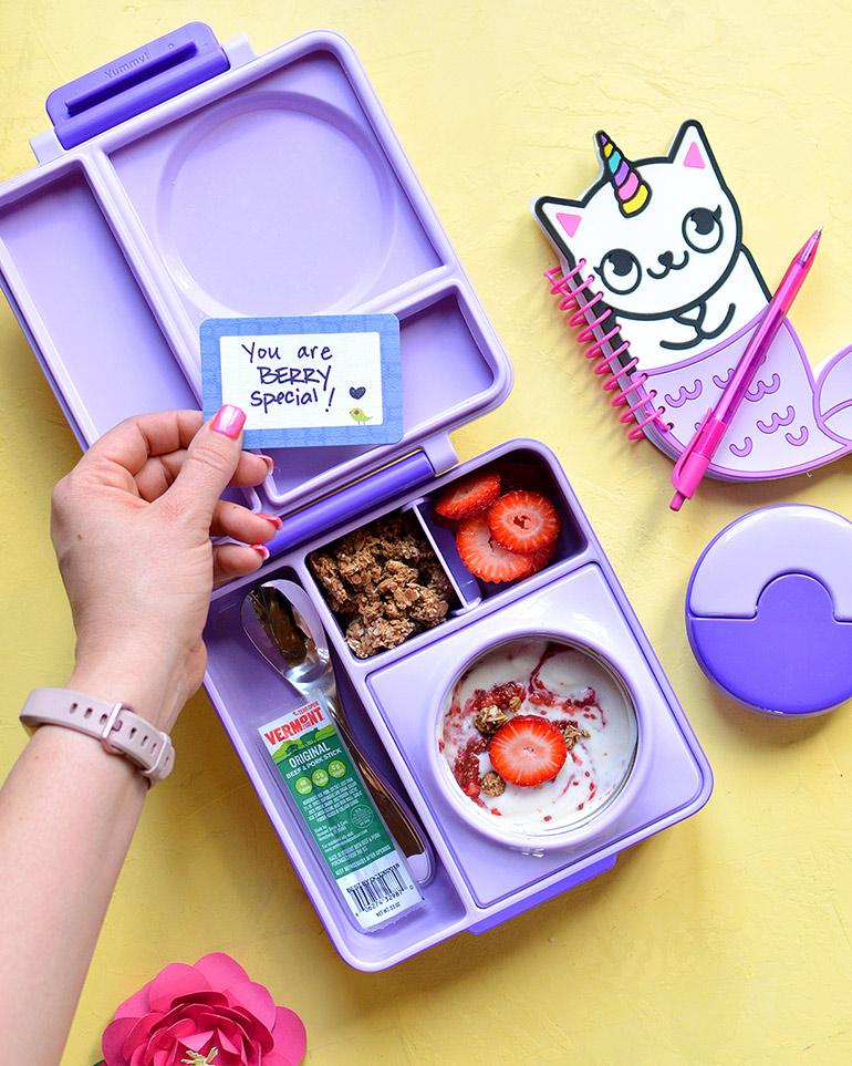 yogurt parfait in omiebox lunchbox