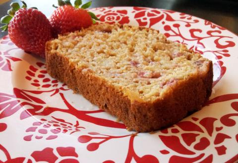 Greek Yogurt Strawberry Banana Bread | Nosh and Nourish